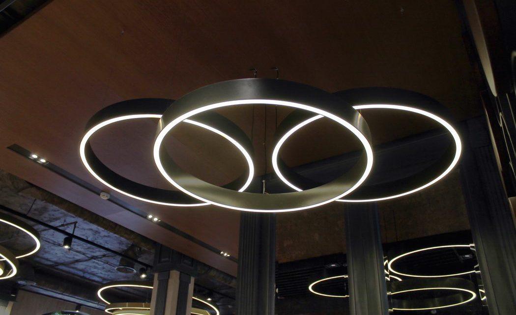 Светильники-кольца: вид на любителя